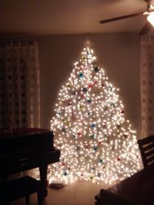 2010 Wall Light Tree
