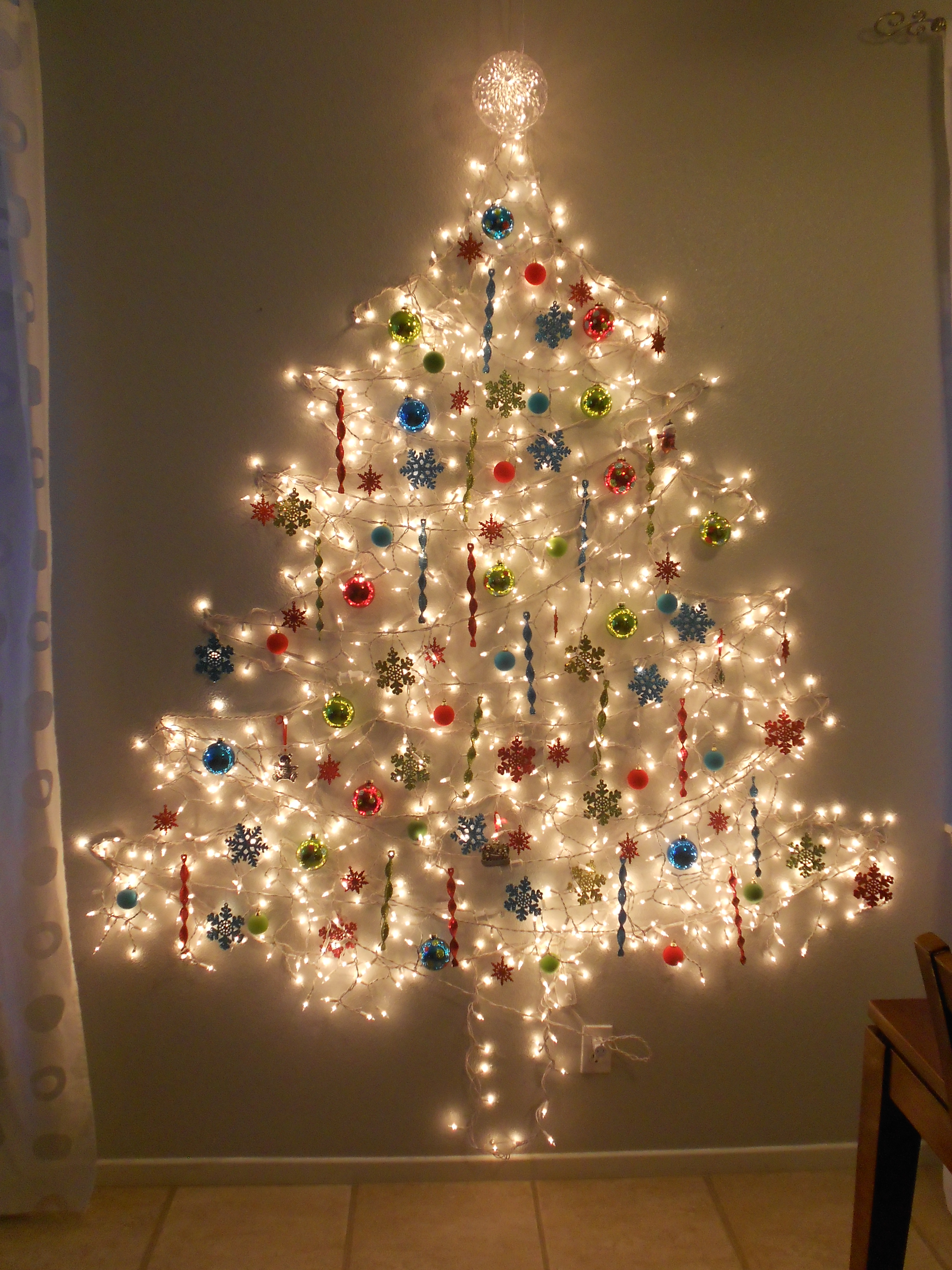 ... : Simple modern Christmas Tree , Tree of lights , wall Christmas tree